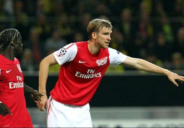 Arsenal Harus Sabar Menanti Kesembuhan Walcott