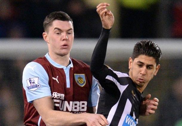 Burnley Setuju Mendatangkan Michael Keane