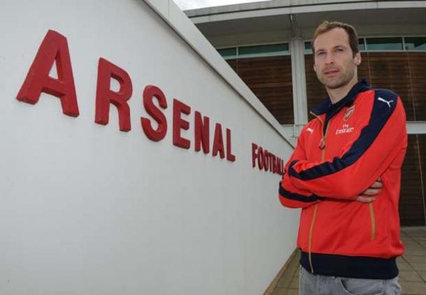 Robert Pires Ungkapkan Petr Cech Akan Bawa Juara Untuk Arsenal