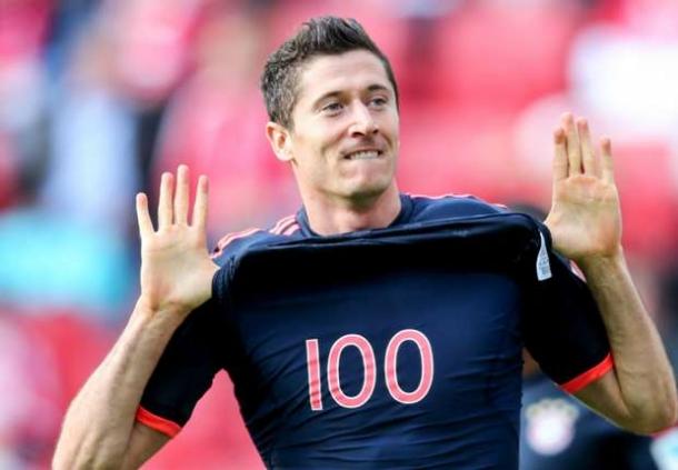 Rekor 100 Gol Bundesliga Diraih Lewandowski