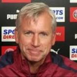 Pardew Remehkan MU | Liga Inggris
