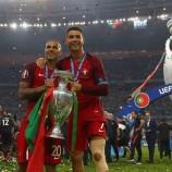 Portugal Angkat Trofi Euro 2016