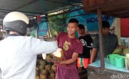 Omset Penjual Kelapa Sampai 6 Juta Per Bulan