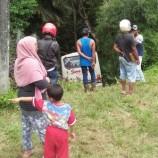 Satu Unit Bus Suma Karya Terperosok Ke Semak Belukar Di Samarinda