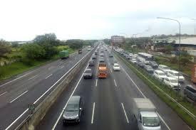 Arus Jalan Raya Pagi Itu Lancar